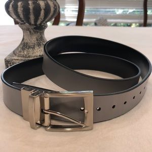 Unbranded beautiful leather reversible silver #16E